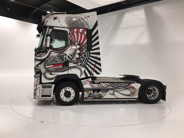 show room Volvo Truck, conception du sol par Sogap.org